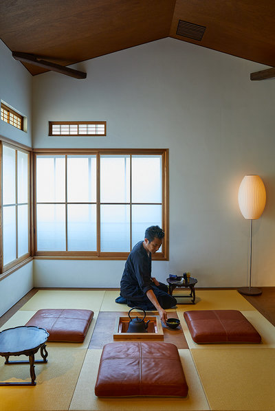 Yoshihiro Makino - TRAVEL